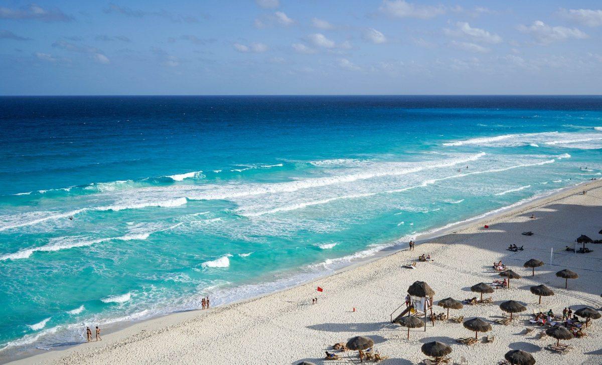 Destinos de playa que ya reabrieron al turismo en México