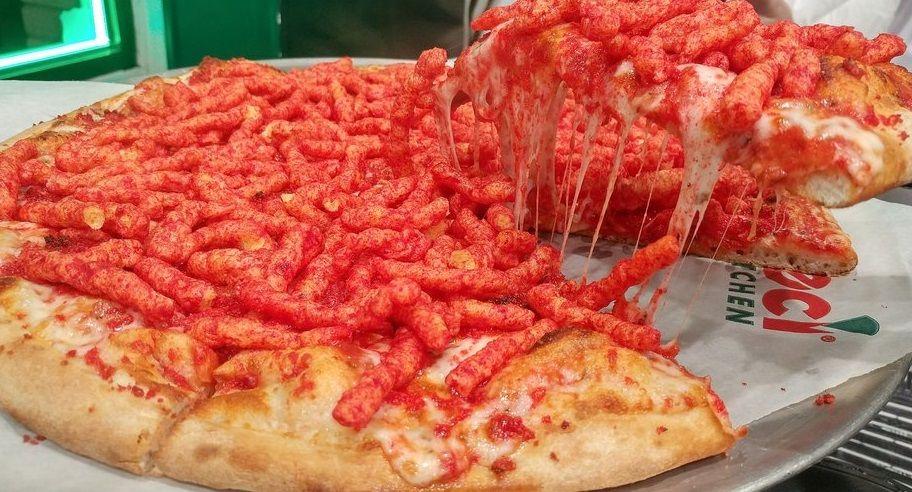 Pizza de cheetos flamin' hot